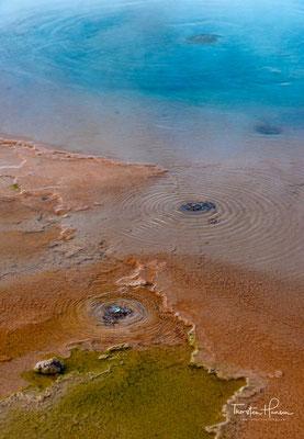 Es handelt sich um das größte Geysirfeld der Südhalbkugel und nach jenem im Yellowstone-Nationalpark und Dolina Geiserow in Russland ist es das drittgrößte der Welt.