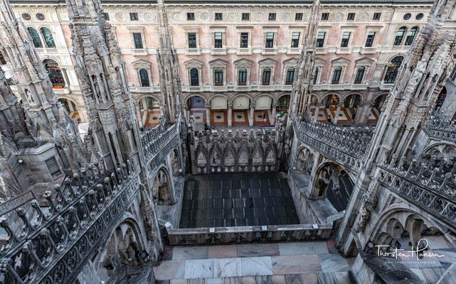 Gian Galeazzo verfolgte also ein höchst ambitioniertes Projekt, mit dem er sich an Kathedralbauten in anderen europäischen Herrschaftszentren orientierte,