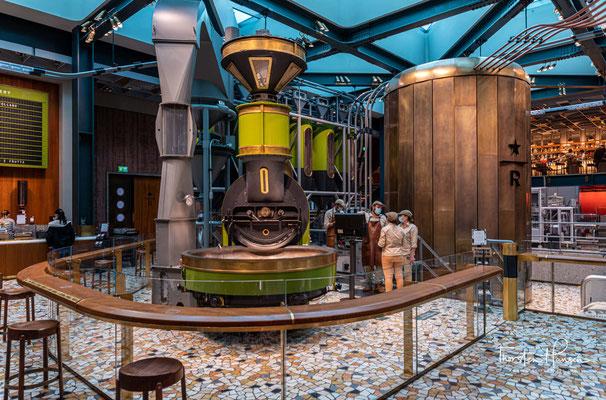 Die 2.300 m² große Reserve-Rösterei ist als Hommage an die italienische Espressokultur konzipiert