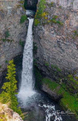Helmcken Falls. Benannt wurde der Wasserfall nach dem deutschstämmigen Arzt John Sebastian Helmcken, der im Auftrage der Hudson's Bay Company in British Columbia tätig war und mithalf, das Land der kanadischen Konföderation anzugliedern