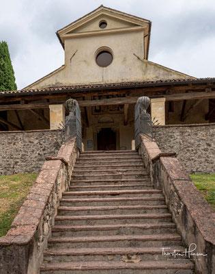 Das Gebäude, das noch existiert, hatte seine Entwicklung im elften Jahrhundert, als die heutige Pfarrei Gestalt annahm.