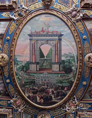 Die heutige Innenausstattung wurde um die Wende vom 16. zum 17. Jahrhundert geschaffen und galt schon zu ihrer Entstehungszeit als eine der schönsten ihrer Art.