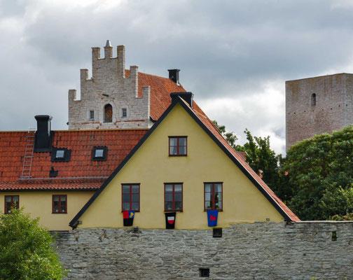 Visby entwickelte sich in der Mitte des 12. Jahrhunderts zum führenden Handelshafen des Ostseeraumes. Schon im vorherigen Jahrhundert ist ein den Handel betreffendes Abkommen zwischen Visby und Nowgorod anzunehmen