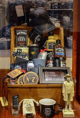 Jack Daniel's erfüllt alle lebensmittelrechtlichen Kriterien der Definition von Bourbon (zum Beispiel: hergestellt in den USA aus einer Maismaische) und kann daher als Bourbon bezeichnet werden.