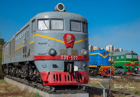 Diesellok T3-2-522 in dem Eisenbahn Museum von Mongolei in Ulaanbaatar