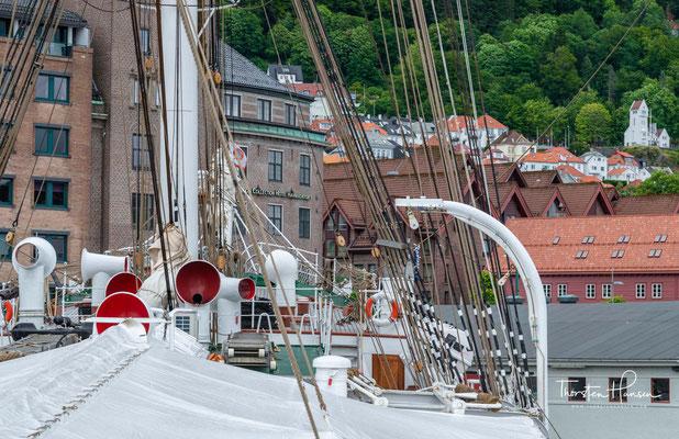 Es wurde die Stiftelsen Seilskipet Statsraad Lehmkuhl (Stiftung Segelschiff Statsraad Lehmkuhl) gegründet, die 1978 das Schiff übernahm und bis heute betreibt.