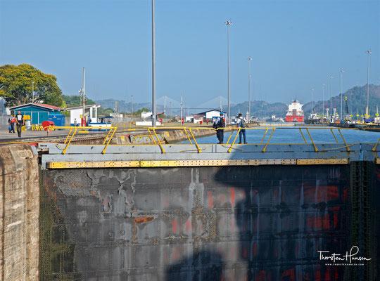 ..und mit einem Hub beziehungsweise einer Fallhöhe von nominal insgesamt 16,5 Metern (54 Fuß) zu finden