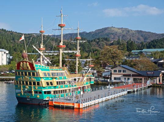 Piratenschiff auf dem Ashi-See in Hakone