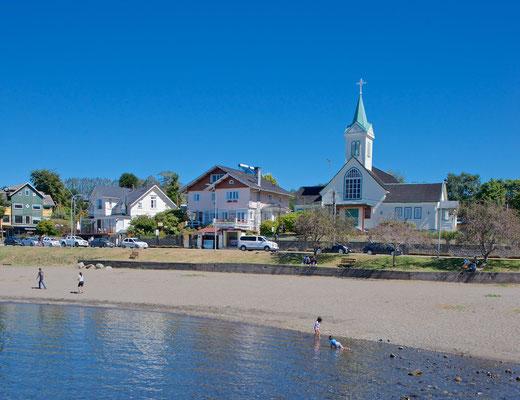 1552 erreichte Pedro de Valdivia den Llanquihue-See. Ab 1846 besiedelten deutsche Einwanderer die Gegend um den Lago Llanquihue.
