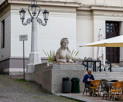 Die Stadtgründung geht auf wohlhabende Venezianer zurück, die sich in der Hügellandschaft Sommerresidenzen errichteten.