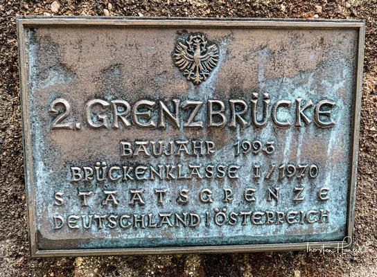 Wenige Kilometer nördlich von Hinterriß überquert der Wildfluss die Grenze zu Bayern und mündet bei Vorderriß in der Nähe des Sylvensteinspeichers in die Isar.
