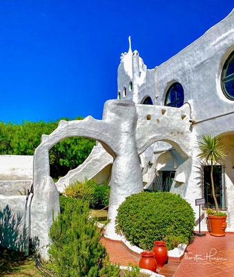 Zu dem Haus gehören noch ein Museum, eine Kunstgalerie, ein Hotel und ein Restaurant.