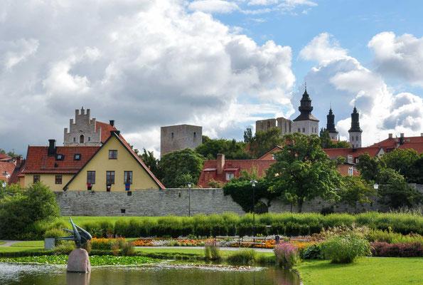 """Die """"Hansestadt Visby"""" wurde bereits 1805 unter Denkmalschutz gestellt, seit 1995 ist sie mit ihren zahlreichen mittelalterlichen Bauten Teil des Weltkulturerbes der UNESCO."""