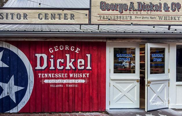 Der vom Konzernmarketing verbreiteten Legende nach geht dies darauf zurück, dass Dickel glaubte, sein Produkt erreichte dieselbe Qualität wie die besten Scotch Whiskys.