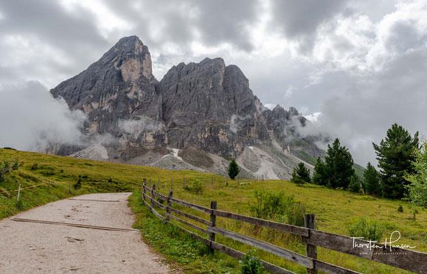 zur 700m hohen Nordwand dieses wunderschönen Bergmassivs