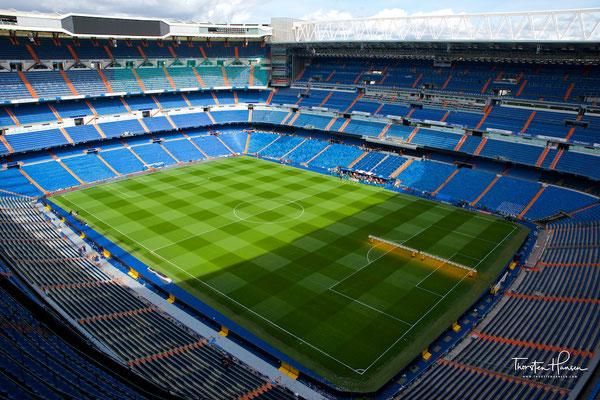 Die Spielstätte wurde von 1944 bis 1947 erbaut und liegt im Stadtzentrum. Derzeit fasst es 81.044 Zuschauer