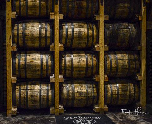Nach frühestens vier Jahren wird der Whiskey in Flaschen abgefüllt.