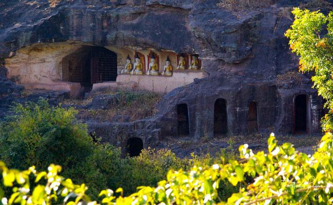 Hpo Win Daung ist eine Ansammlung von Höhlen mit buddhistischen Heiligtümern bei Monywa in Myanmar.