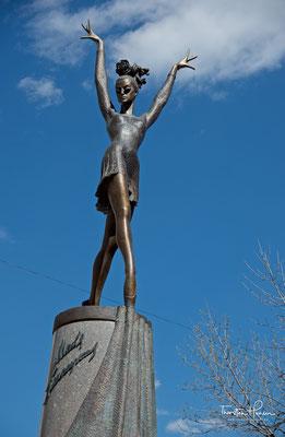 Denkmal für Balletttänzerin Maja Plissezkaja