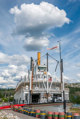 Sie liefen Fracht zwischen Whitehorse und Dawson City entlang des Yukon River, die erste von 1929 bis 1936 und die zweite, eine fast exakte Nachbildung der ersten, von 1937 bis 1950.