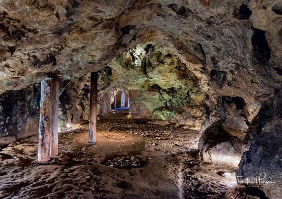 Der Wawel-Drache (polnisch: Smok Wawelski) ist ein Drache in der polnischen Volkssage. Er soll in der Smocza Jama (Drachenhöhle) unter dem Wawelhügel an den Ufern der Weichsel gehaust haben.