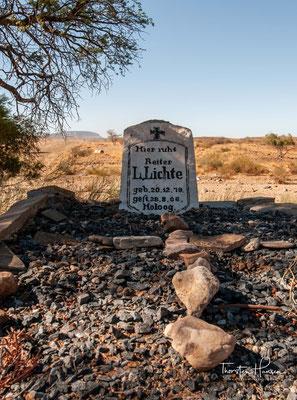 Hier ruht Reiter L. Lichte - ich glaube er ist an einer Krankheit gestorben und nicht im Gefecht
