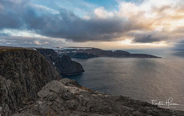 Knivskjellodden ist der Name einer Landzunge auf der norwegischen Insel Magerøya. Sie liegt 4,18 Kilometer westlich des Nordkaps und mit 71° 11′ 08″ nördlicher Breite etwa 1.400 Meter weiter nördlich als dieses