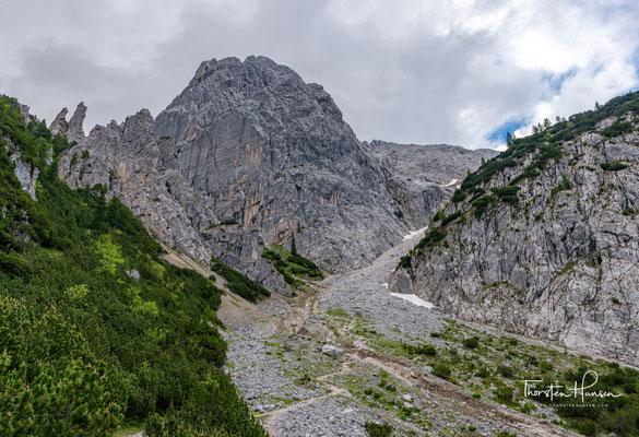 Man benötigt ca. 1,5 Stunden bergauf, um zum Lafatscher Joch auf 2081m Höhe zu gelangen