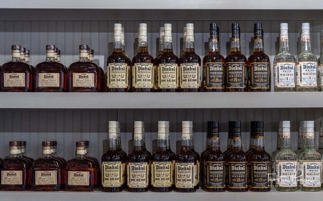 1999 stellte Diageo auch das Marketing für George Dickel ein. Die Destillerie wurde geschlossen, und George Dickel verkaufte nur noch Altbestände.
