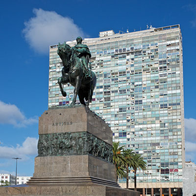Das Artigas-Mausoleum ist ein Denkmal für den uruguayischen Helden José Artigas
