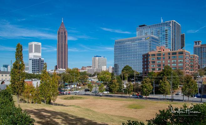 Die Metropolregion von Atlanta erbrachte 2016 eine Wirtschaftsleistung von 363,8 Milliarden US-Dollar und belegte damit Platz 10 unter den Großräumen der USA und gehört zu den wirtschaftlich dynamischsten Städten des Landes.
