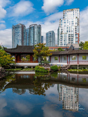 Der Dr. Sun Yat-Sen Classical Chinese Garden ist ein chinesischer Garten in der kanadischen Stadt Vancouver.
