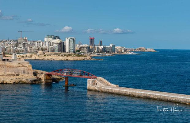 Zur Zeit der Ritterherrschaft auf der Insel war jeweils eine der sogenannten Zungen des Malteserordens für deren Verteidigung zuständig.