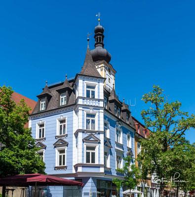 Weiden in der Oberpfalz liegt 100 km östlich von Nürnberg und 35 km westlich der Grenze zu Tschechien und hat ca. 43.000 Einwohner