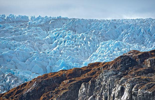 Er entspringt im Zentrum des südpatagonischen Eisfelds, ist 21 Kilometer lang und bedeckte 1986 eine Fläche von 157 km²; davon entfallen ca. 126 km² auf das Akkumulationsgebiet.