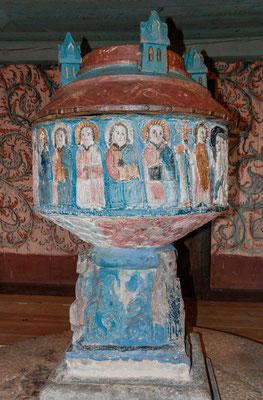 Taufstein des Meisters Sighraf von etwa 1200 in der Kirche von Bro