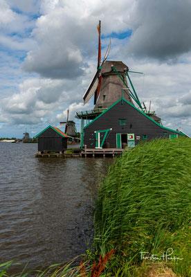 Sie ist 21,80 Meter hoch und steht seit 1960 als Rijksmonument Nr. 40092 unter Denkmalschutz