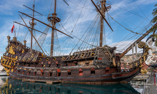 Das im Film gezeigte Schiff Neptune wurde nach Polańskis Angaben extra für den Film gebaut und sollte ein authentisches, spanisches Linienschiff aus der Zeit zwischen 1680 und 1710 darstellen.