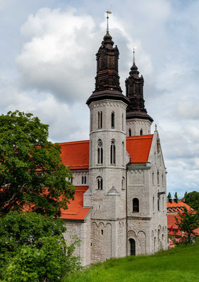 Die Domkirche zu Visby (schwedisch Visby domkyrka), der auch unter dem ursprünglichen Namen Sankt-Maria-Kirche bekannt ist, ist die einzige verbliebene mittelalterliche Hauptkirche der alten Hansestadt Visby auf der schwedischen Insel Gotland