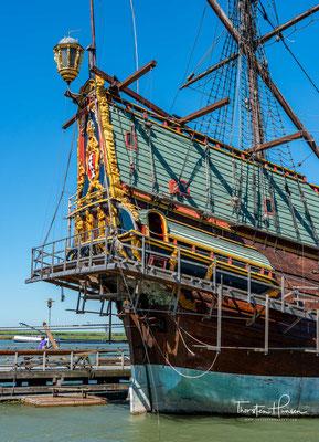 Auf dem Hinweg transportierten die Schiffe in der Regel Waffen und Backsteine für die Siedlungen und Festungen sowie Silber- und Goldmünzen für den Erwerb von asiatischen Gütern.