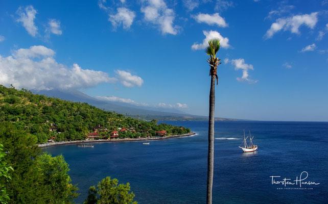 Amed liegt direkt an der Ostküste Balis mit wunderschönem Blick auf Lombok.