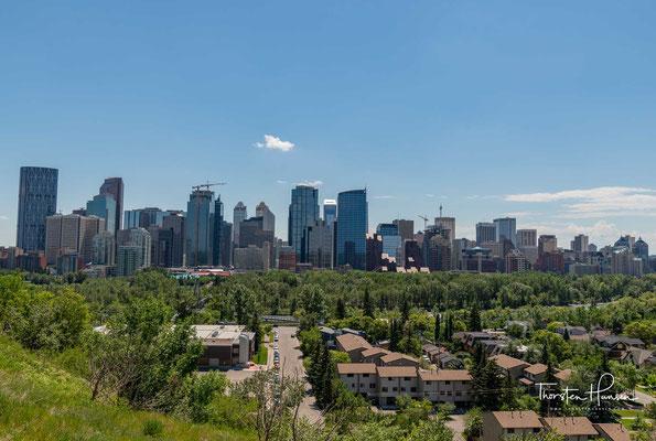 Calgary  (schottisch-gälisch für Strand an der Wiese) ist mit 1.239.220 Einwohnern die größte Stadt in der Provinz Alberta sowie die viertgrößte in ganz Kanada.