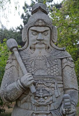Ming Gräber am Fuße des Berges Tianshou