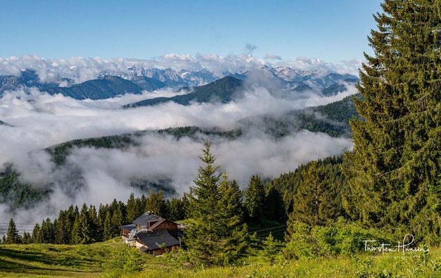 Nach der ersten Nacht in einer typischen Berghütte geht es heute über die Benediktenwand bis nach Jachenau