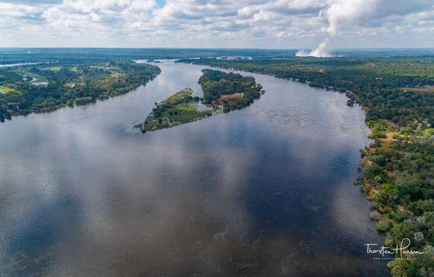 Rundflug über den Sambesi Fluß und die Victoria Fälle