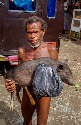 Die Dani-Männer tragen oft das Koteka genannte Penisfutteral.
