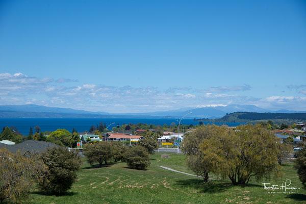 Maori Rock Carving Cruise Lake Taupo - Ernest Kemp Cruises