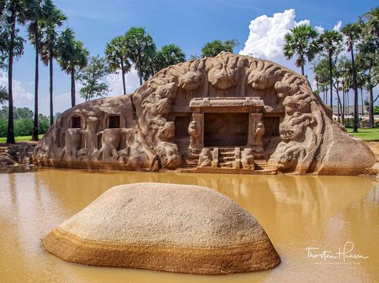 Tiger-Höhlentempel, die schöne, etwas bizarre Tigerhöhle, ist wegen der Tigerköpfe, die sie umgeben, besonders bemerkenswert.
