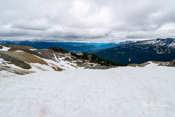 Ende der 1960er Jahre wurde der Berg mit dem angrenzenden Blackcomb Peak zu einem Skigebiet ausgebaut.