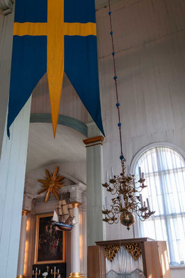 Mit dem Bau der Kirche, die auf dem zentralen Platz (Stortorget) von Karlskrona steht, wurde am 9. September 1720 begonnen.